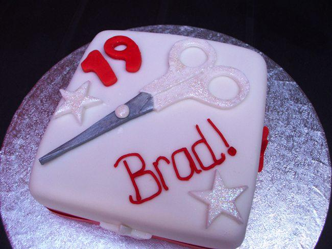 Magnificent 19Th Birthday Hairdressing Cake Fancycakesbenidorm Funny Birthday Cards Online Alyptdamsfinfo