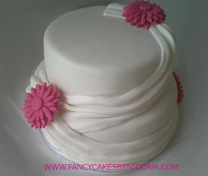 Den n Her Benidorm Wedding Cake